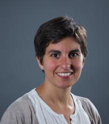 Photo of Dr Isabelle Charmantier