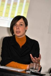 Photo of Dr Raluca Grosescu