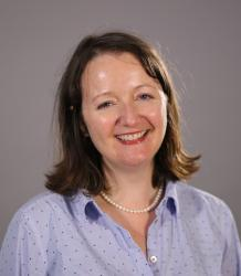 Photo of Dr Karen Ni-Mheallaigh