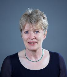 Photo of Professor Sara Smart