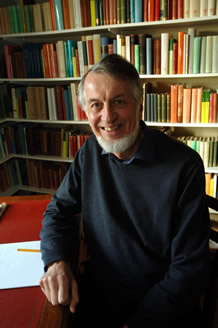 Photo of Professor Peter Wiseman